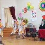 Танцевальный номер юных участниц