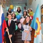 Полноправные хозяева школы, самые старшие ученики, одиннадцатиклассники